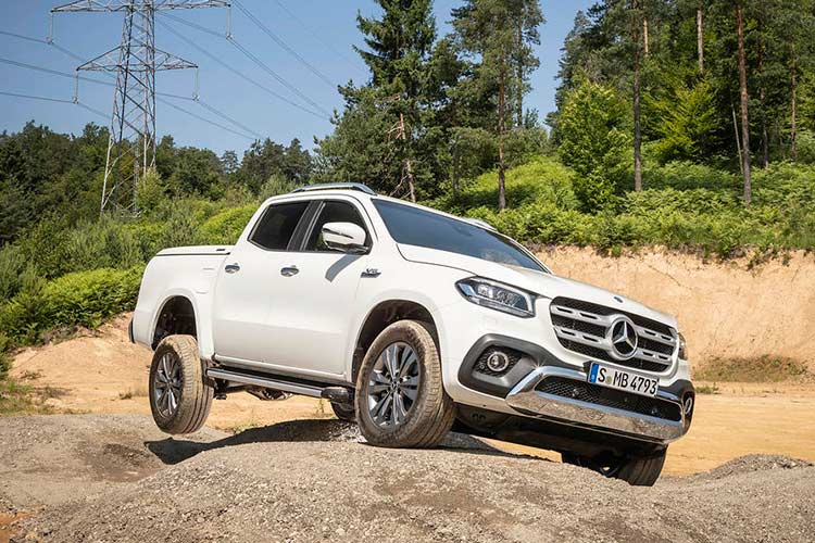 Mercedes X-Class phien ban cao cap nhat gia 1,16 ty dong-Hinh-4