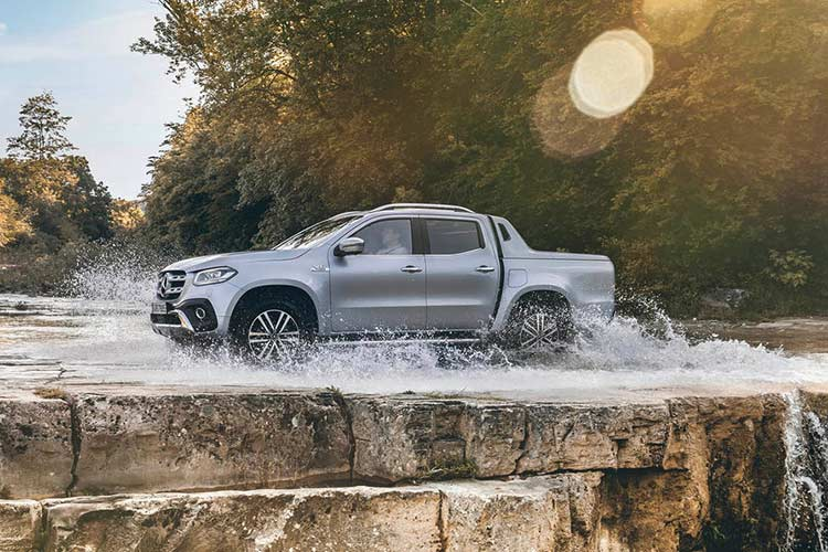 Mercedes X-Class phien ban cao cap nhat gia 1,16 ty dong-Hinh-8