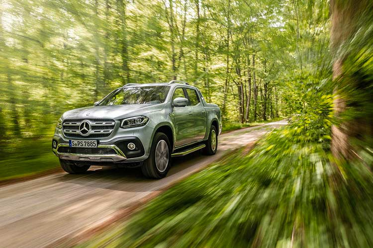 Mercedes X-Class phien ban cao cap nhat gia 1,16 ty dong