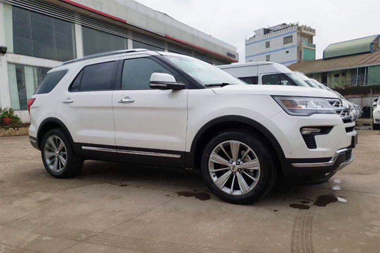 Can canh Ford Explorer 2018 gia hon 2 ty ve VN-Hinh-2