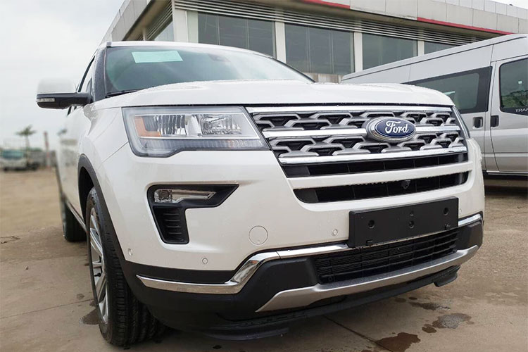 Can canh Ford Explorer 2018 gia hon 2 ty ve VN-Hinh-3