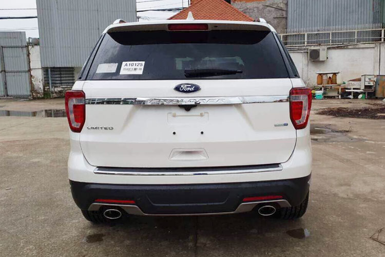 Can canh Ford Explorer 2018 gia hon 2 ty ve VN-Hinh-4