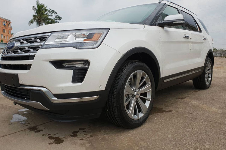 Can canh Ford Explorer 2018 gia hon 2 ty ve VN-Hinh-5