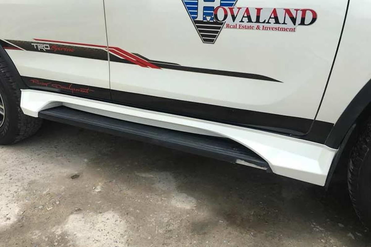 Toyota Fortuner do xe sang Lexus 570 sieu re o Sai Gon-Hinh-3