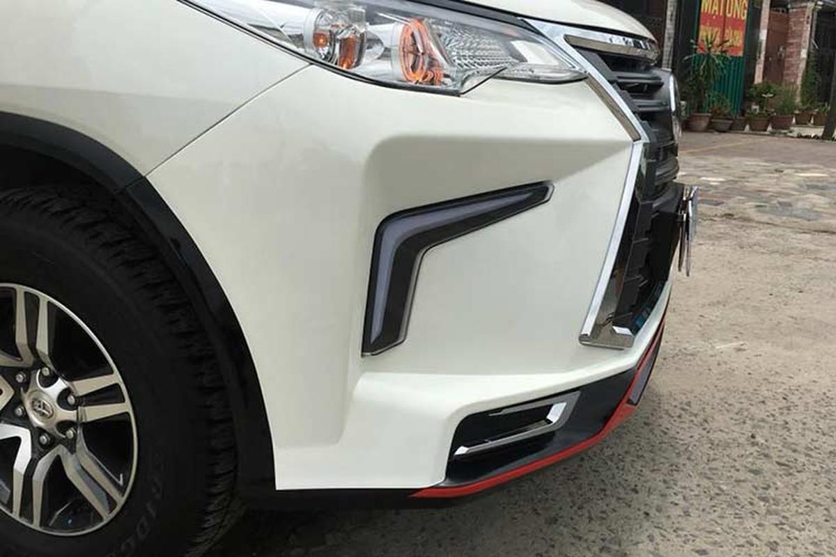 Toyota Fortuner do xe sang Lexus 570 sieu re o Sai Gon-Hinh-4