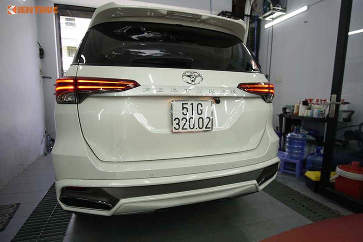 Toyota Fortuner do xe sang Lexus 570 sieu re o Sai Gon-Hinh-6