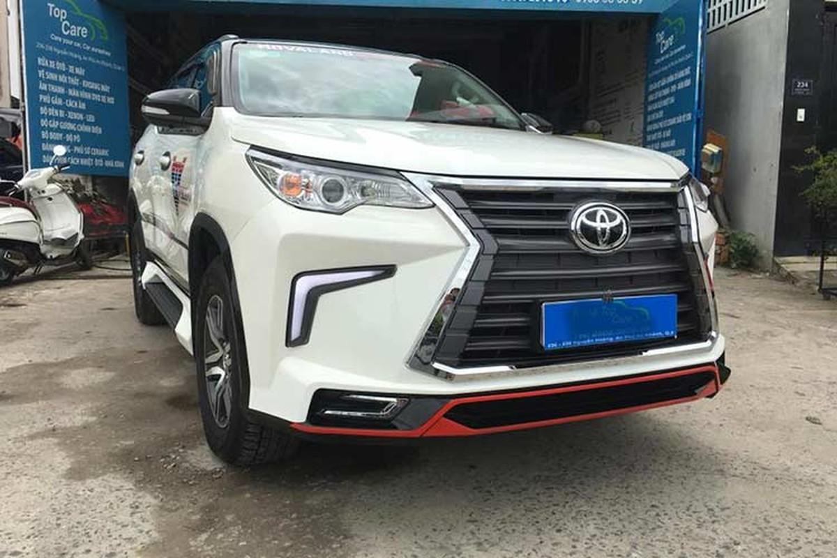 Toyota Fortuner do xe sang Lexus 570 sieu re o Sai Gon