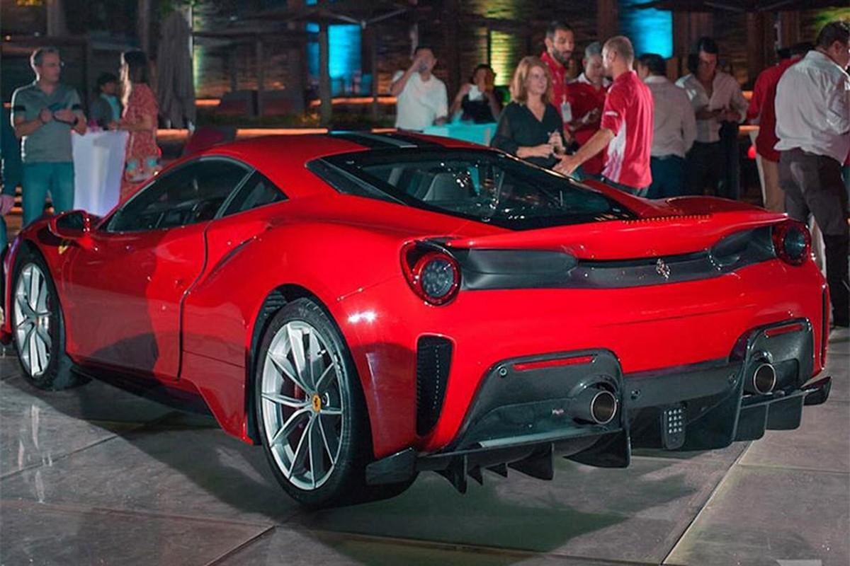 Sieu xe Ferrari 488 Pista dau tien