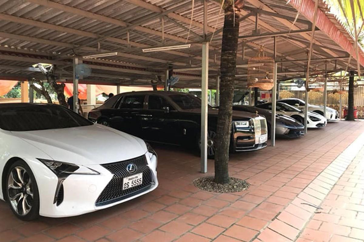 Dai gia Viet tai Lao tau sieu xe sang Rolls-Royce Phantom 2018-Hinh-8