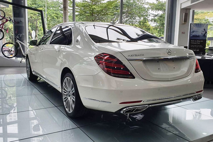 Diep Lam Anh tau Mercedes-Maybach S450 hon 7 ty dong-Hinh-4