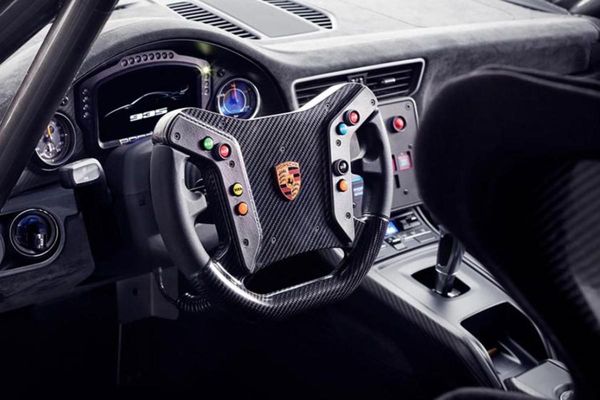 Sieu xe Porsche 935 san xuat 77 chiec, gia 18,9 ty dong-Hinh-6