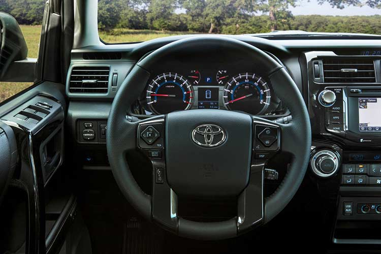 Chi tiet Toyota 4Runner Nightshade dac biet gia 1 ty dong-Hinh-6