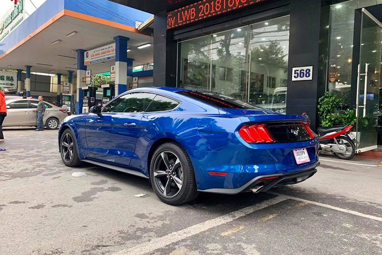Can canh Ford Mustang 2018 mau doc gia 2,7 ty tai VN-Hinh-7