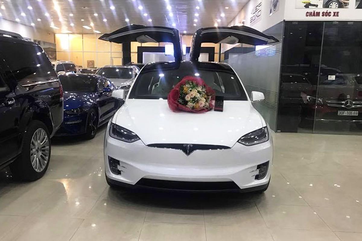 Soai ca Ha Noi mua Tesla Model X P100D 9 ty tang vo