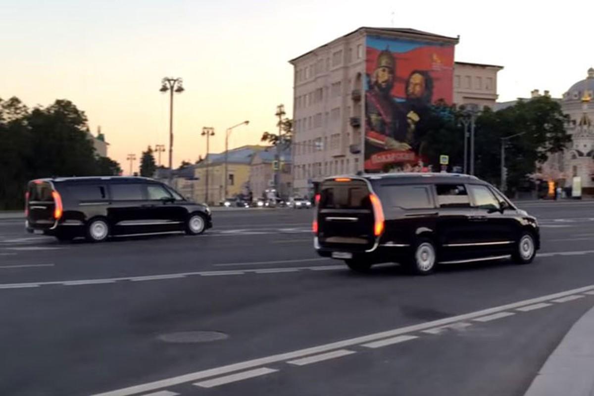 Minivan hang sang cua Tong thong Nga Vladimir Putin lan banh-Hinh-6