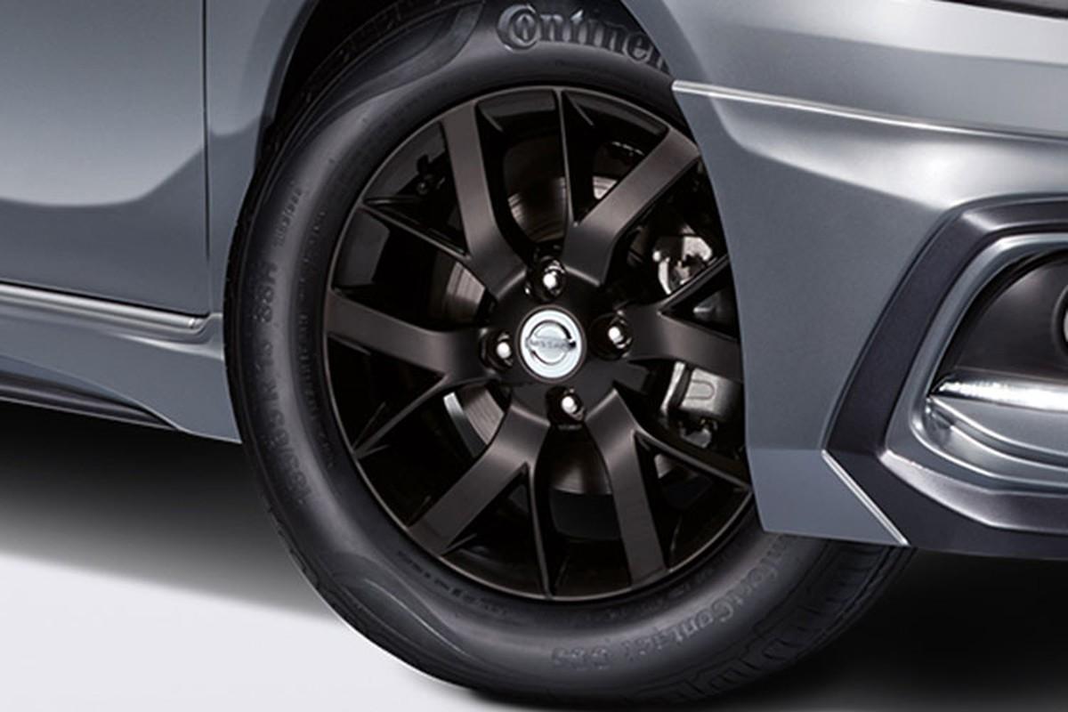Sedan gia re Nissan Sunny co them ban Black Series moi-Hinh-5