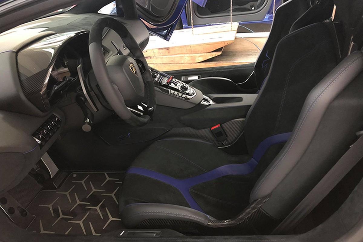Lamborghini Aventador SV Minh Nhua ve zin sap den tay chu moi-Hinh-7