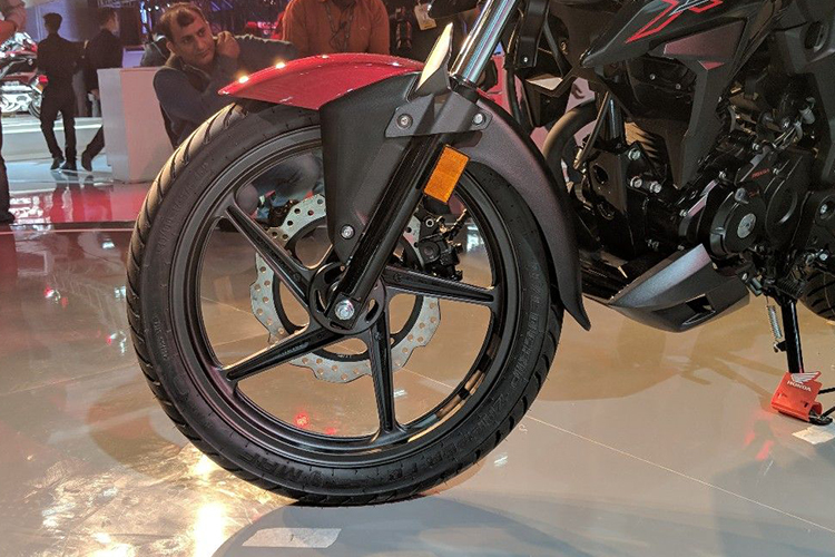 Xe moto sieu re Honda X-Blade ABS gia chi 28,7 trieu dong-Hinh-6