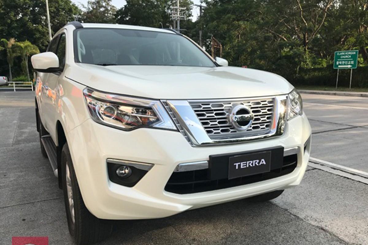 SUV Nissan Terra so san gia 986 trieu dong tai Ha Noi-Hinh-3