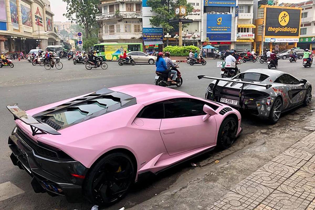Sieu xe McLaren 12 ty khoac ao giang sinh tai Sai Gon-Hinh-3