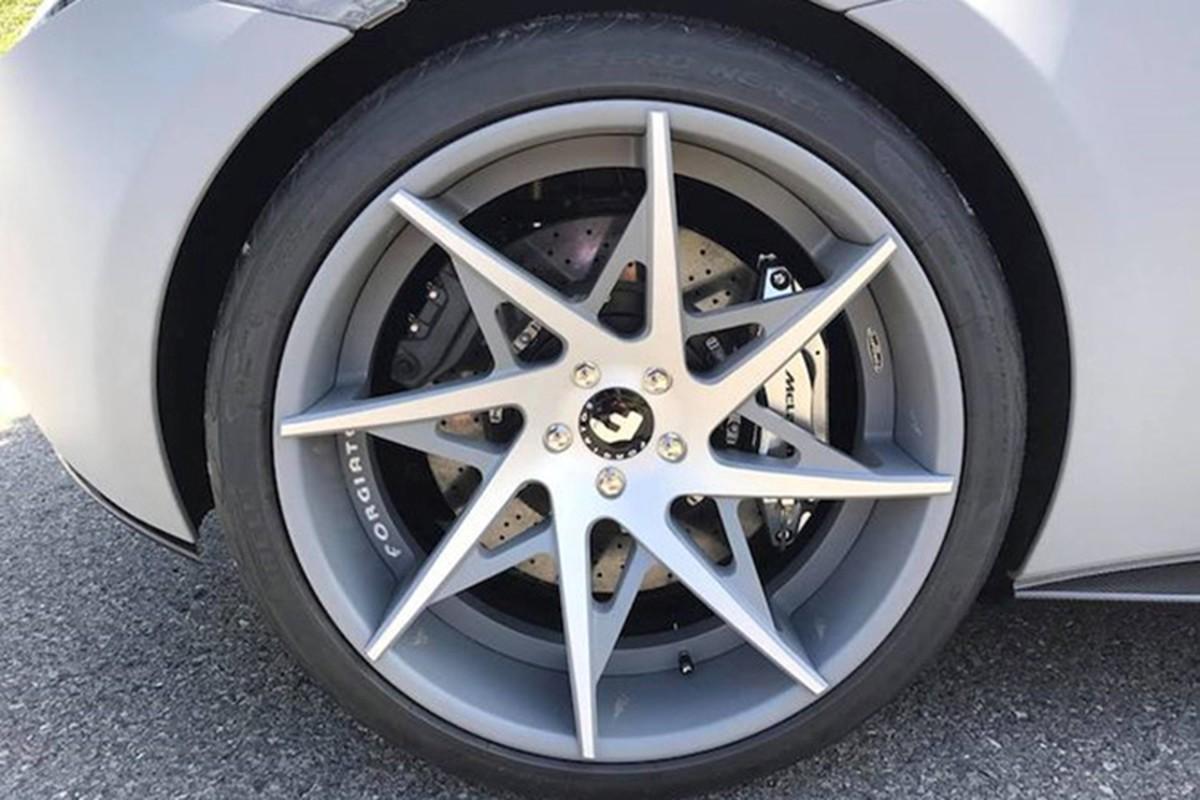 Sieu xe McLaren 12 ty khoac ao giang sinh tai Sai Gon-Hinh-4