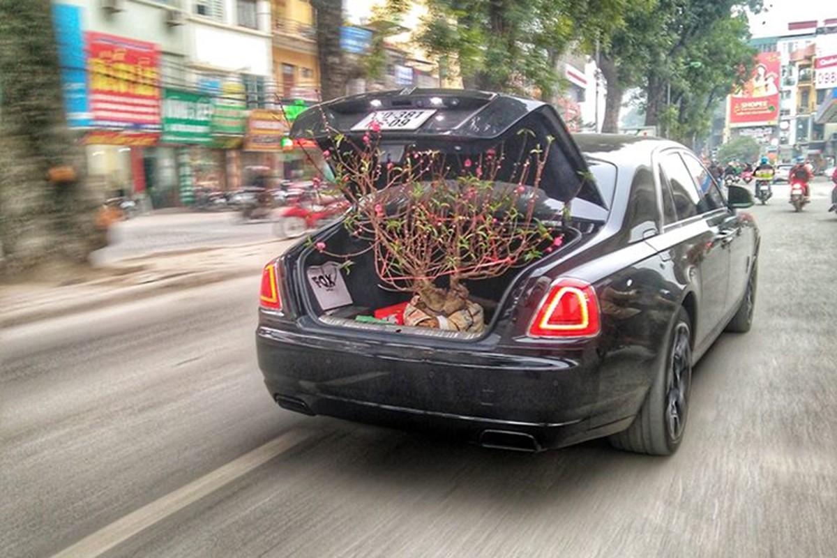 Dai gia Ha Noi cho dao Tet bang Rolls-Royce Ghost hon 40 ty-Hinh-2