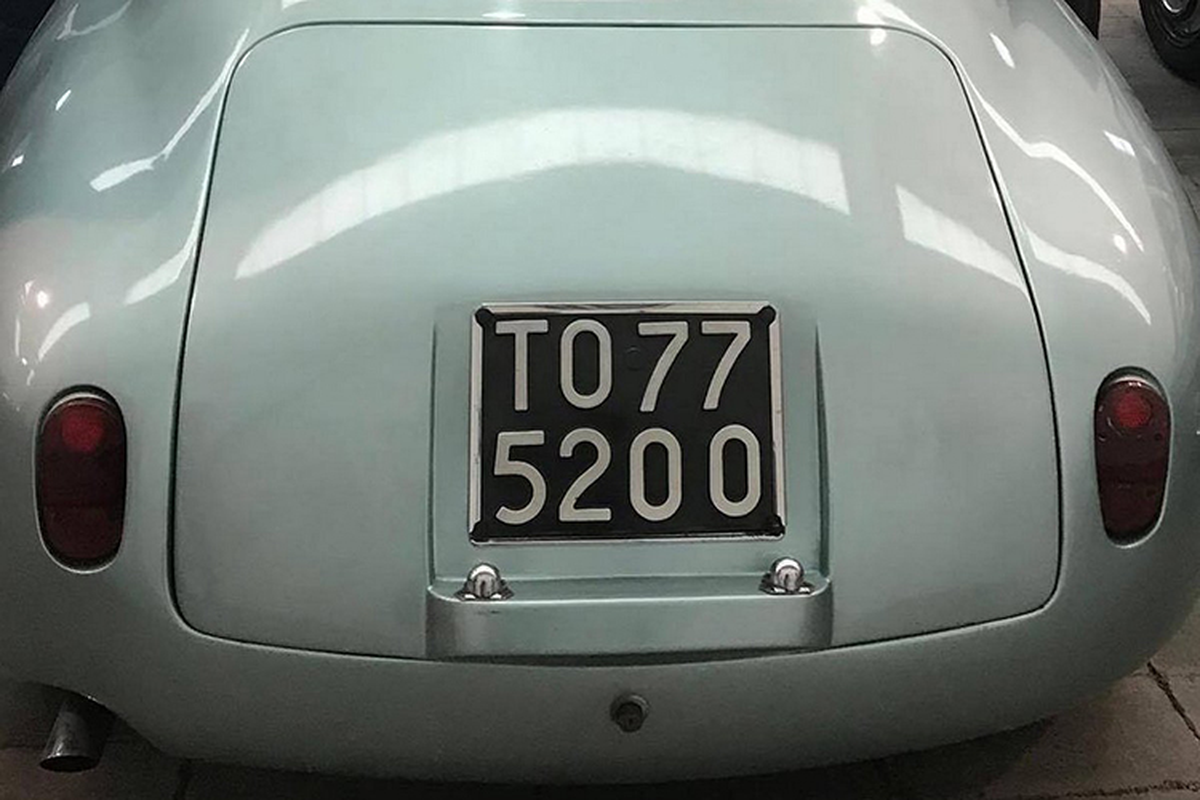 Alfa Romeo ngu duoi tang ham suot 35 nam gia 15 ty dong-Hinh-4
