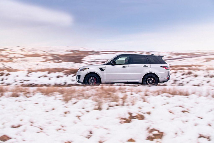 Chi tiet Range Rover Sport HST hybrid gia 2,42 ty dong-Hinh-2