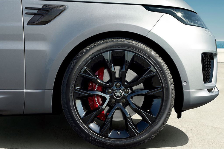 Chi tiet Range Rover Sport HST hybrid gia 2,42 ty dong-Hinh-4