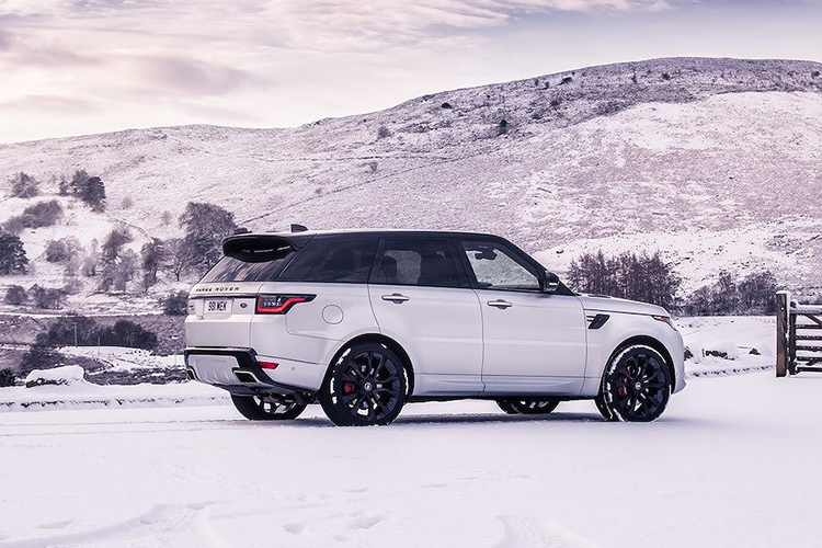 Chi tiet Range Rover Sport HST hybrid gia 2,42 ty dong-Hinh-7