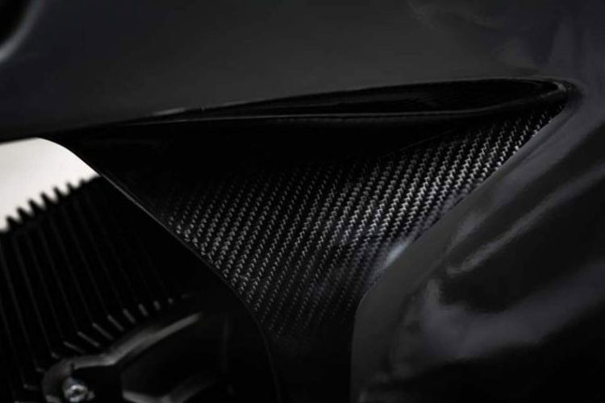 Xe moto dien NXT Rage khung carbon gia 579 trieu dong-Hinh-4
