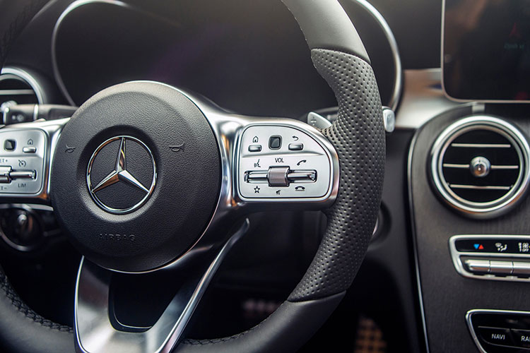 Can canh Mercedes-Benz C-Class 2019 gia tu 1,5 ty tai VN-Hinh-9