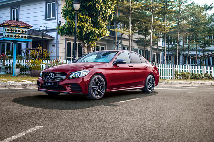 Can canh Mercedes-Benz C-Class 2019 gia tu 1,5 ty tai VN