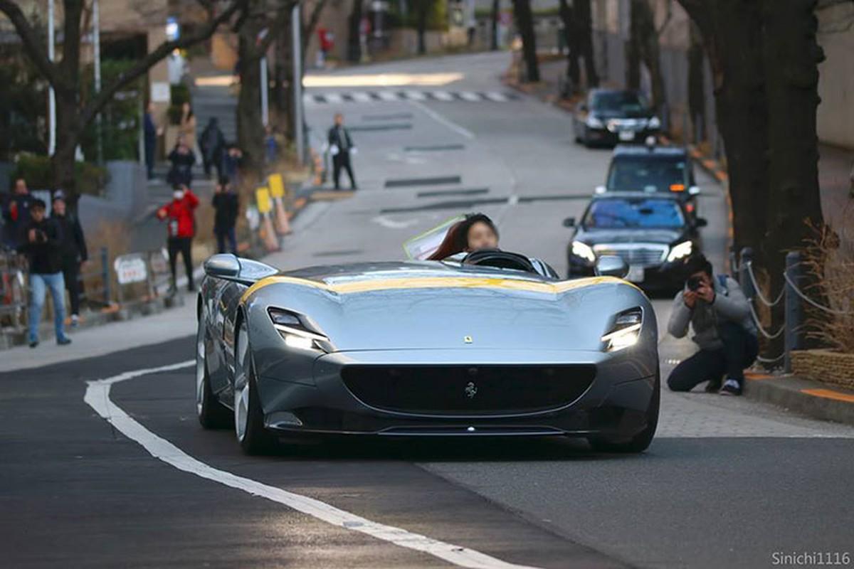 Sieu xe Ferrari Monza SP1 gia 57,9 ty dong den chau A