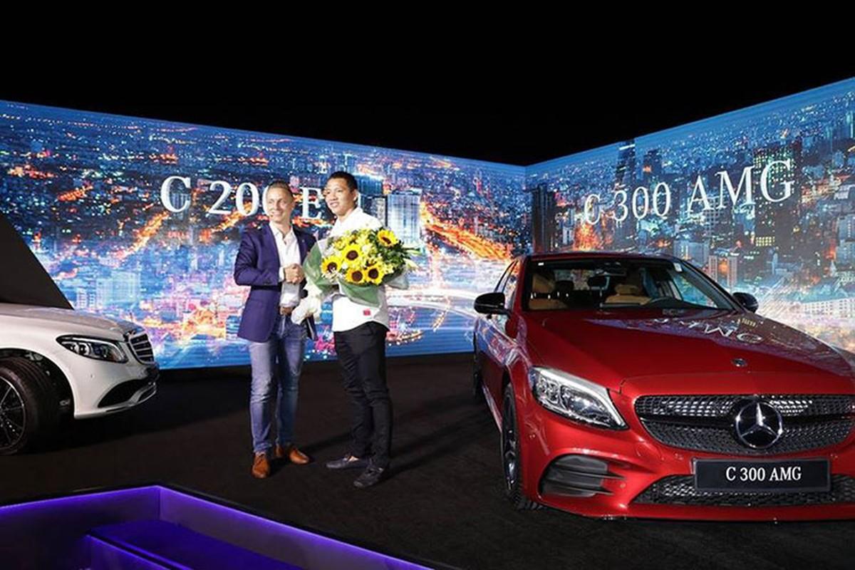 Ngo Kien Huy tau Mercedes-Benz C200 Exclusive gia 1,7 ty dong-Hinh-4