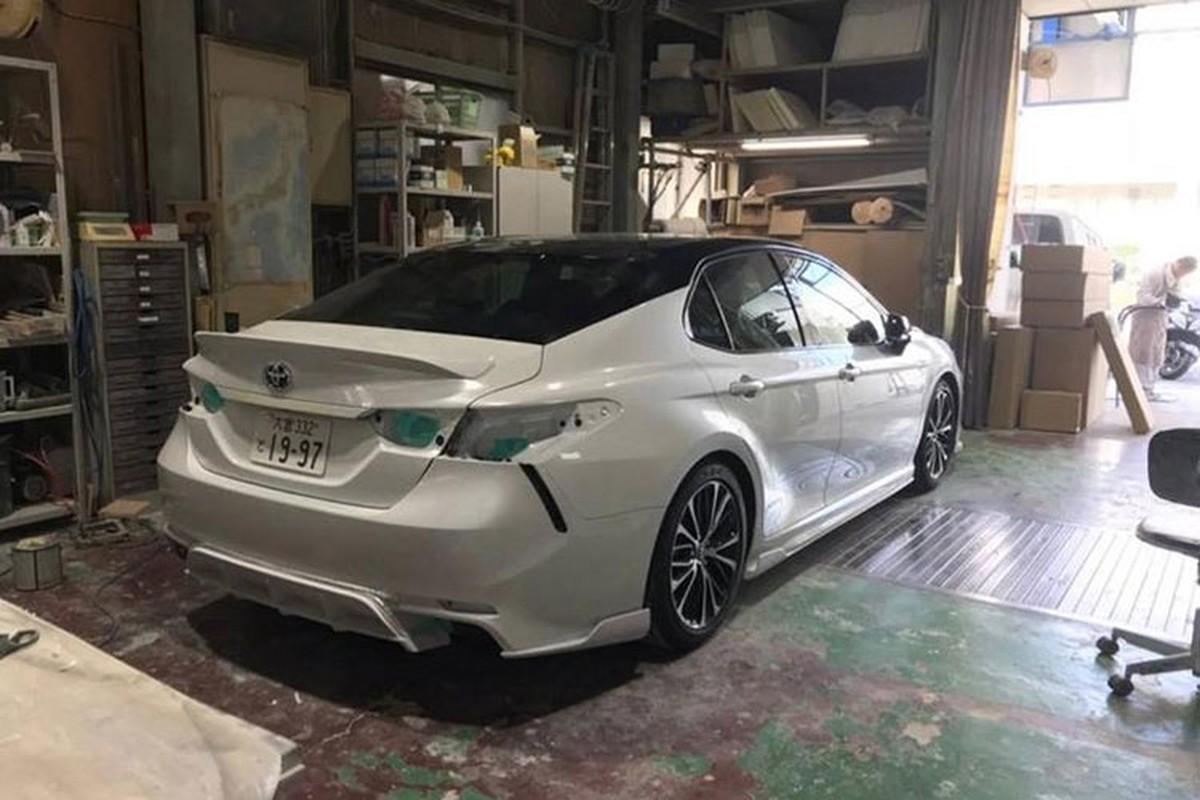 Toyota Camry 2019 dep long lanh voi goi do 60 trieu dong-Hinh-5
