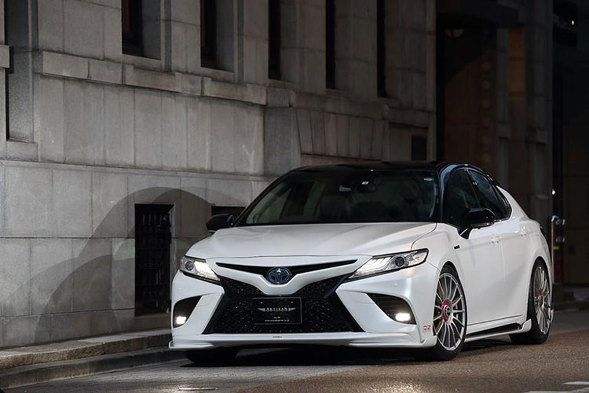 Toyota Camry 2019 dep long lanh voi goi do 60 trieu dong