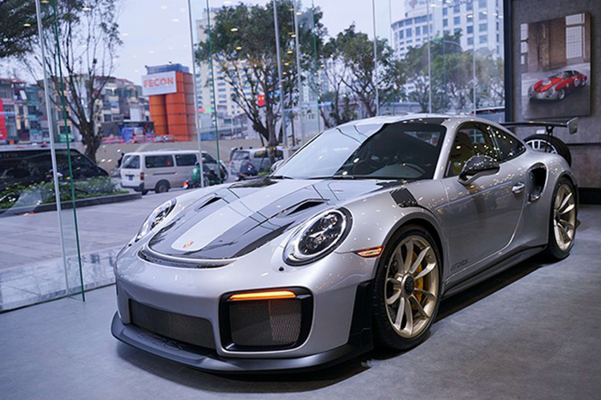 Dang Le Nguyen Vu sam Porsche 20 ty giua tam bao ly hon