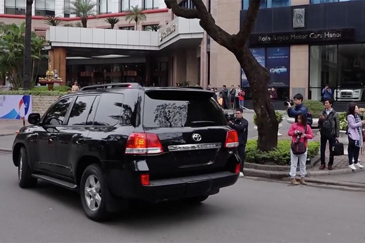 Toyota Land Cruiser dac biet cua Trieu Tien xuat hien tai Ha Noi-Hinh-4