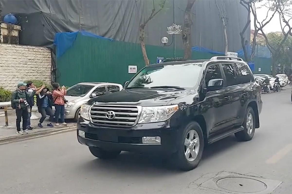 Toyota Land Cruiser dac biet cua Trieu Tien xuat hien tai Ha Noi-Hinh-5