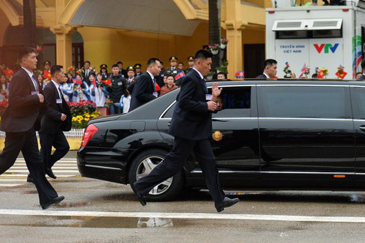 Mercedes-Benz S600 chong dan ho tong ong Kim Jong Un ve Ha Noi-Hinh-4