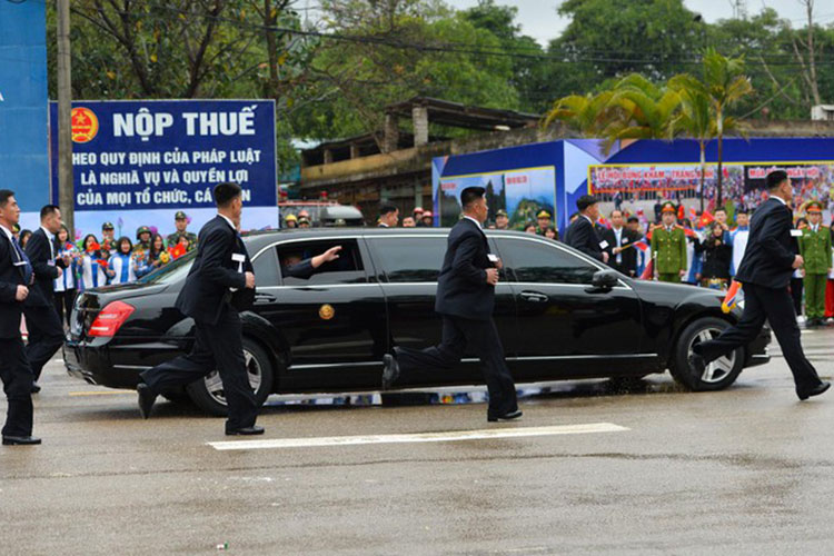 Mercedes-Benz S600 chong dan ho tong ong Kim Jong Un ve Ha Noi-Hinh-5