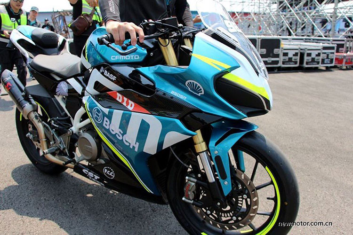 """Soi"" moto Trung Quoc gia re phong cach Ducati-Hinh-7"