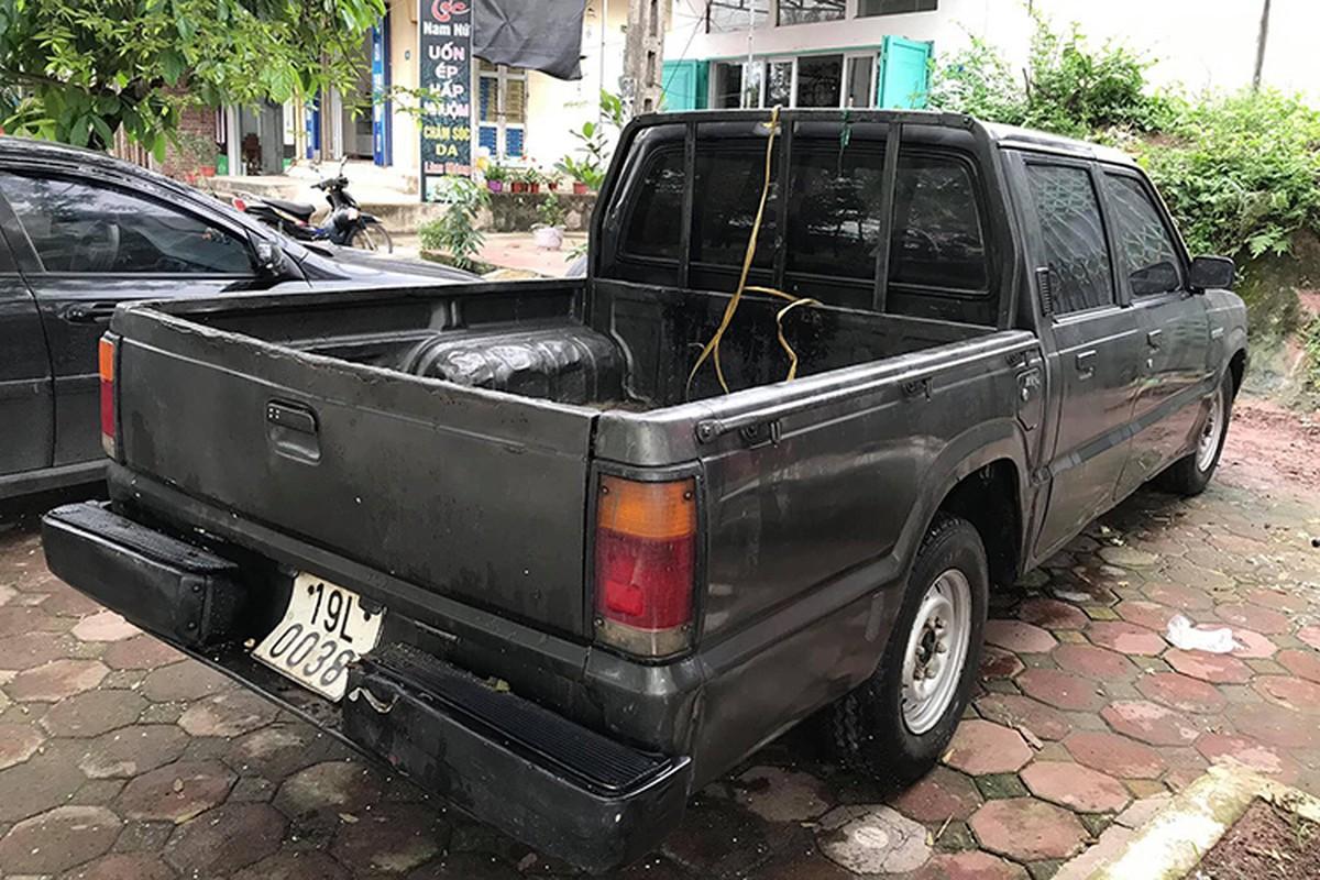 Xe oto Mazda B2200 gia chi 35 trieu dong tai Viet Nam-Hinh-2