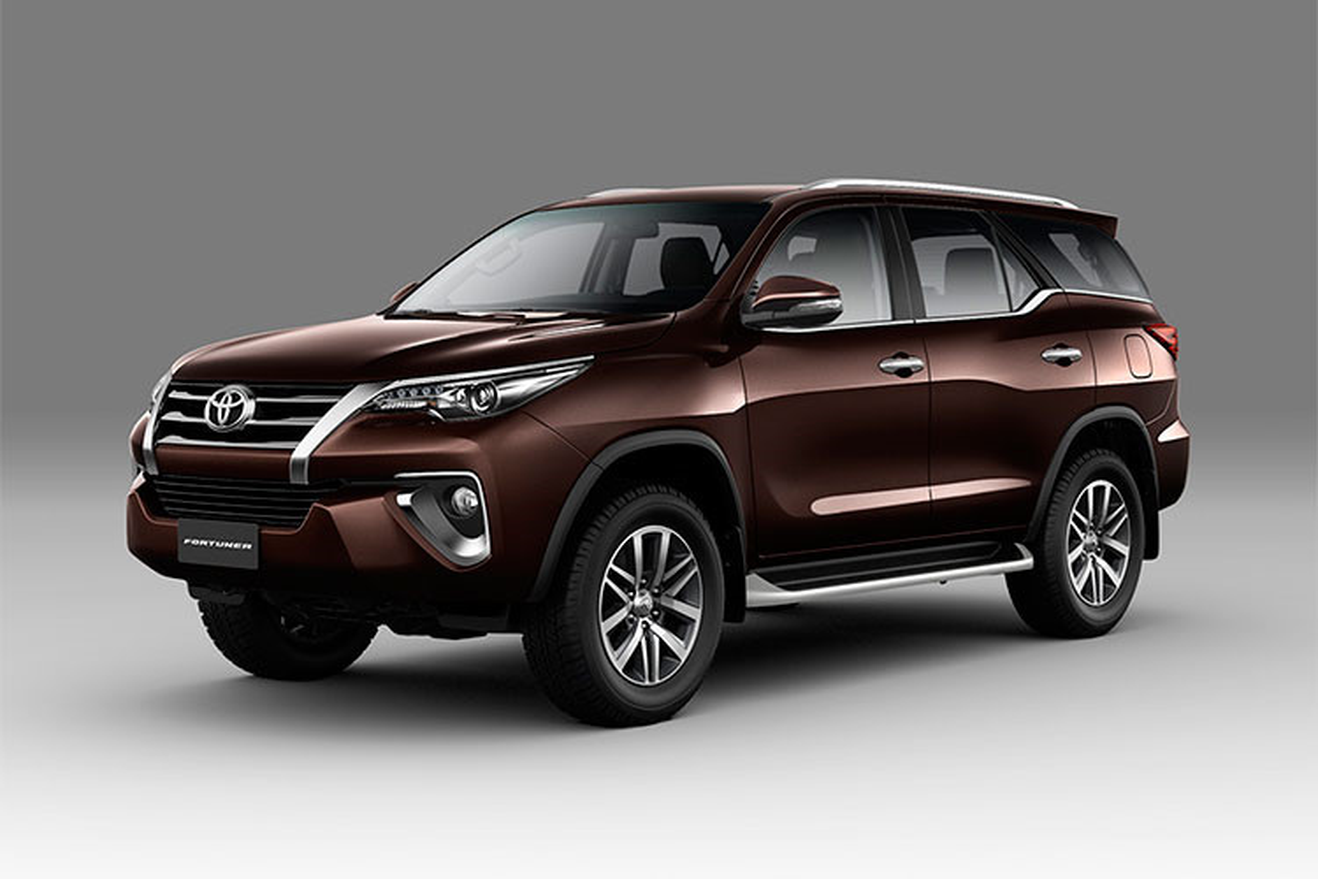 Toyota Fortuner lap rap tai Viet Nam chuan bi trinh lang