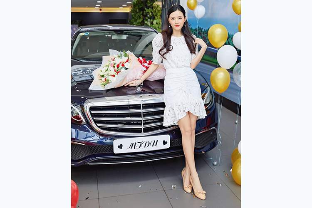 Khong can Phan Thanh, Midu van tau duoc Mercedes E-Class tien ty-Hinh-8