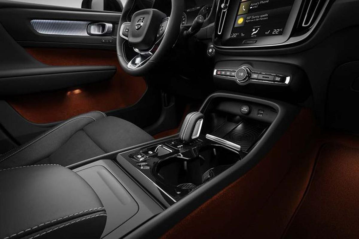 Volvo XC40 2019 gia 1,75 ty,