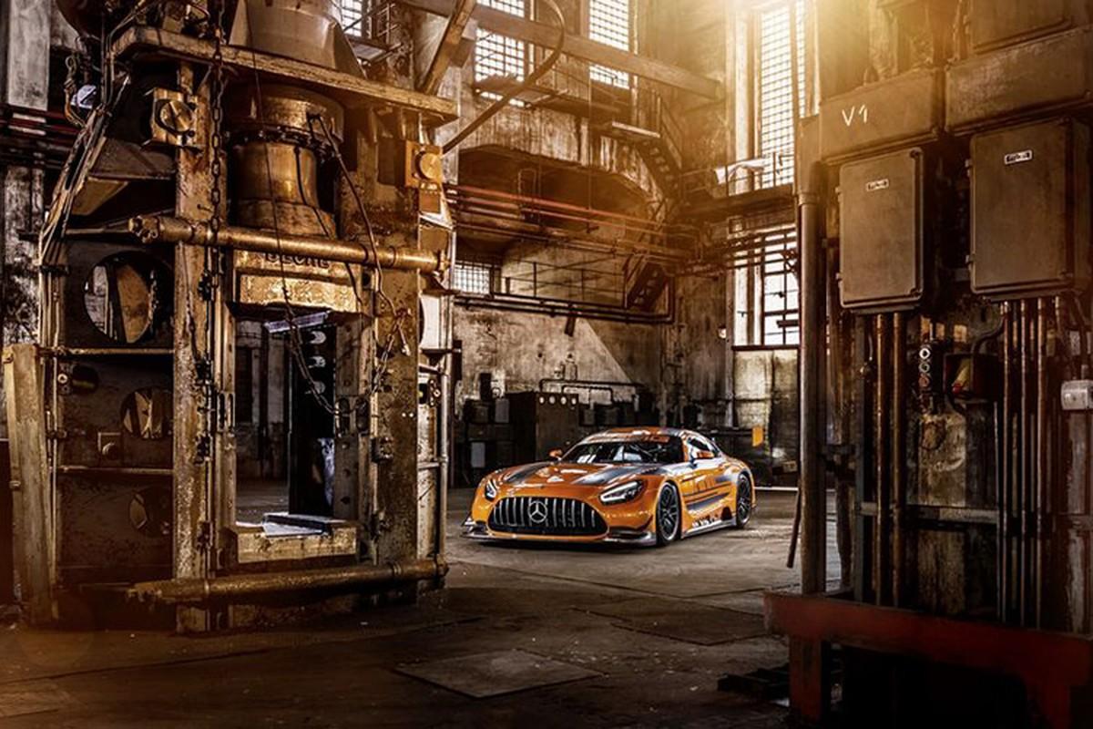 Ngam xe dua tien ty Mercedes-AMG GT3 ban nang cap moi-Hinh-10