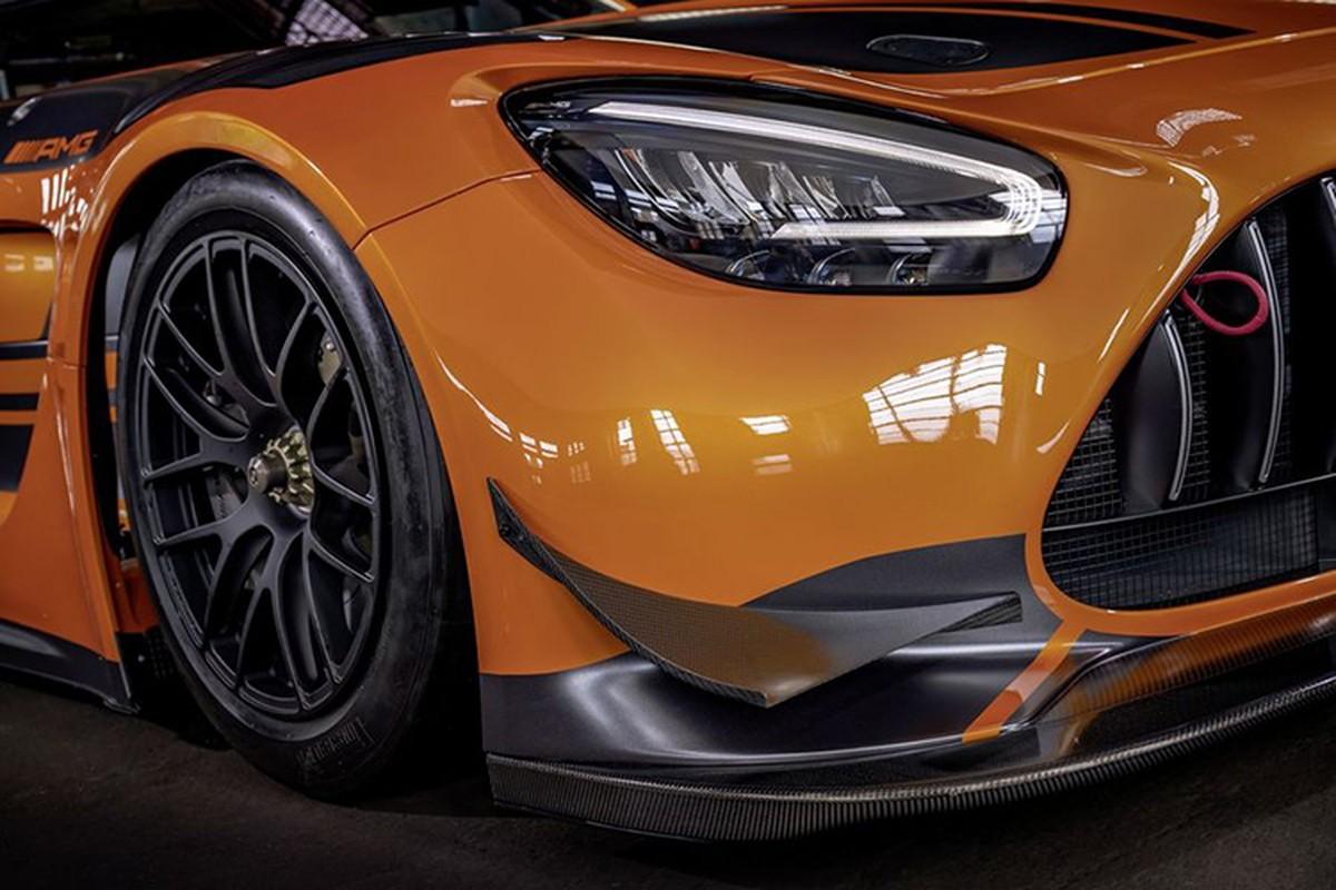 Ngam xe dua tien ty Mercedes-AMG GT3 ban nang cap moi-Hinh-4