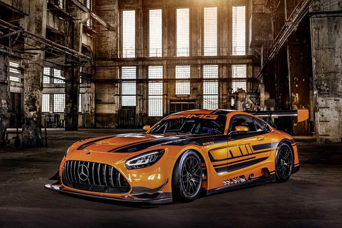 Ngam xe dua tien ty Mercedes-AMG GT3 ban nang cap moi